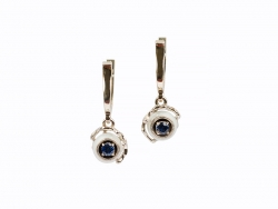 Earrings with pearls and sapphires