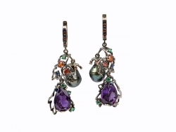 Earrings with amethysts, pearls.